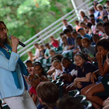 Maroulis performing for students